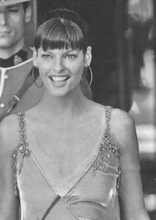 Supermodel Linda Evangelista is honoured as she receives a star on the Walk of Fame.