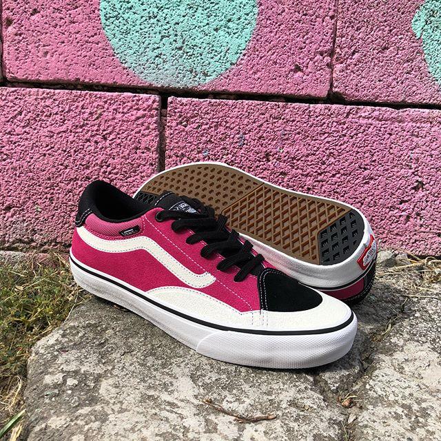 Y'all seen these yet? Get those clips #vans #vansproclassic #vanstntadvancedprototype #chattanooga #tennessee #comfortskateshop