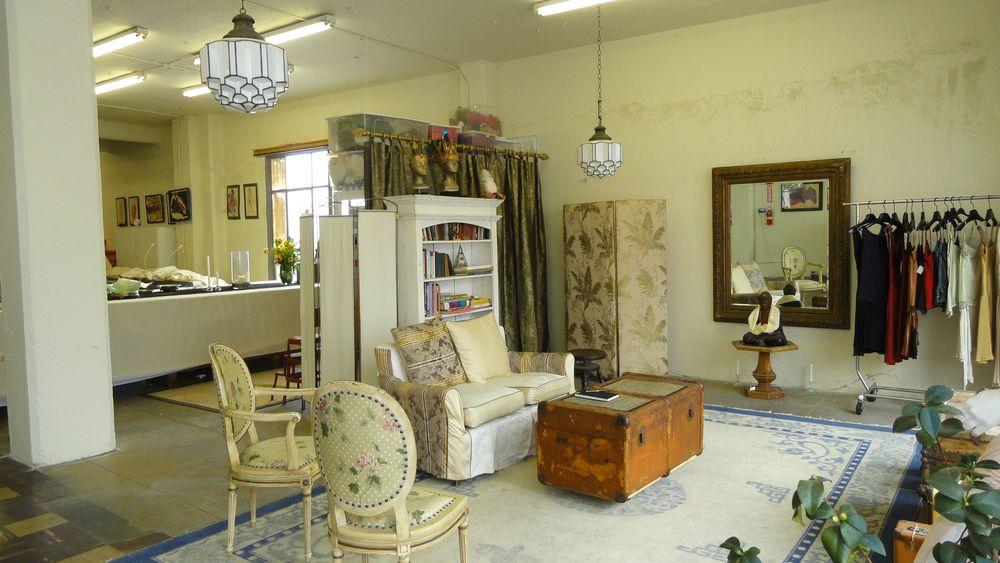 b- front showroom .jpg
