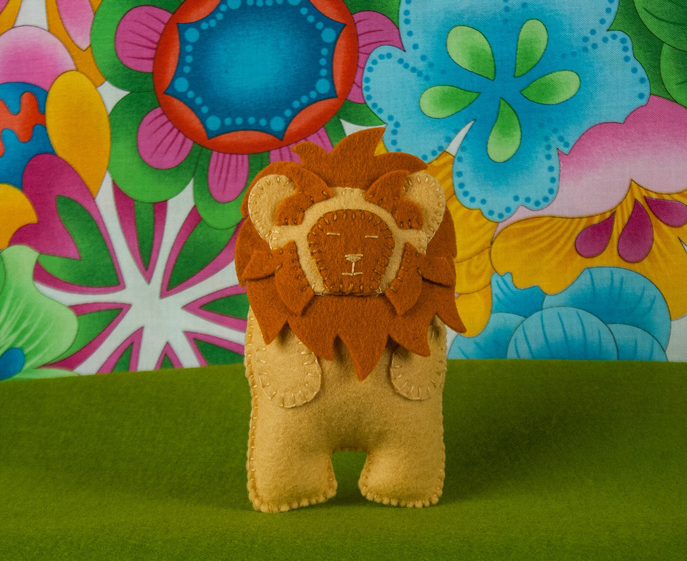 Luke the Lion Plush Pattern Front View