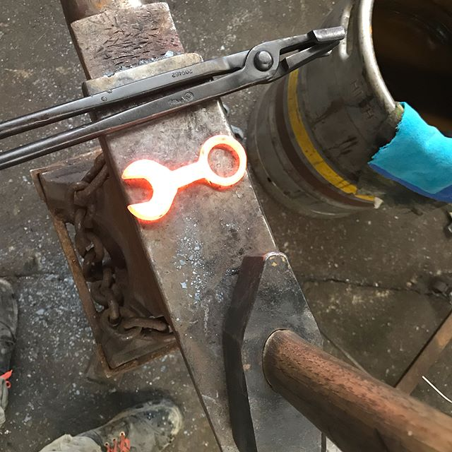 A few orders of mini wrench buddy bottle openers getting forged today... #ppmetalcraft #forged #onceinawhile #wrenchbottleopener #miniwrench #oldschoolwrench #repurposed
