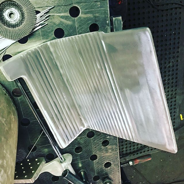 Meat slicer platen repair process from today for @chowgirlscatering #ppmetalcraft #castaluminumwelding #weldingrepair #makeitworkagain #weldporn #nottoopretty