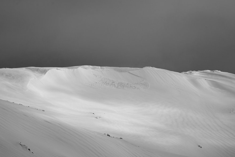 North Tate.  This cornice faces EAST into the head of the Guthega River. Shot Yesterday 22Aug @ 9:30am. Tyson Millar