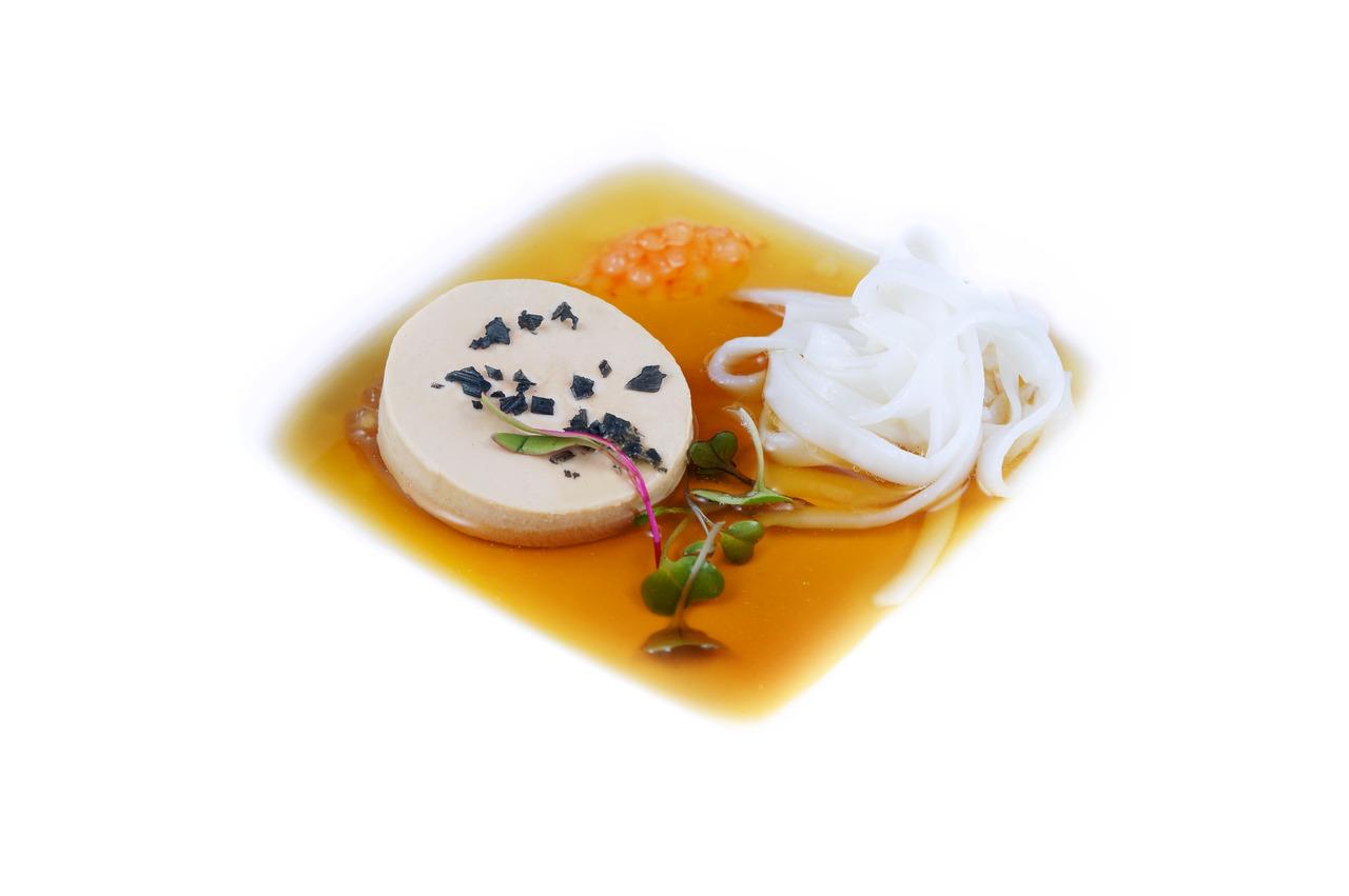 PHO GRAS   fresh rice noodles - ox-tail consomme - sriracha caviar - foie gras    Vietnamese Menu Part 1