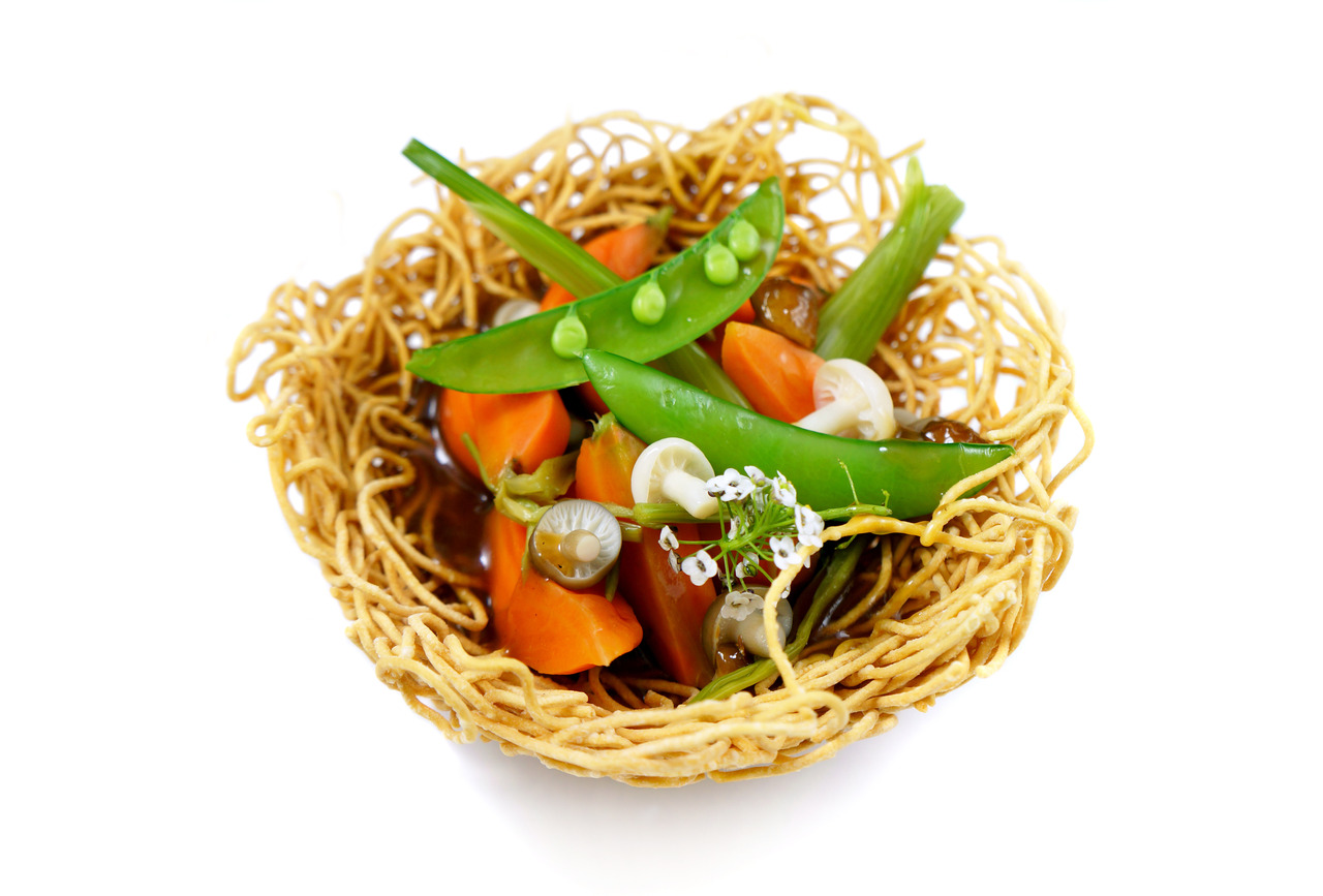 BIRD'S NEST   fried noodles - baby carrots - vegetable jus - beech mushrooms   Vegetarian option for the Vietnamese menu.