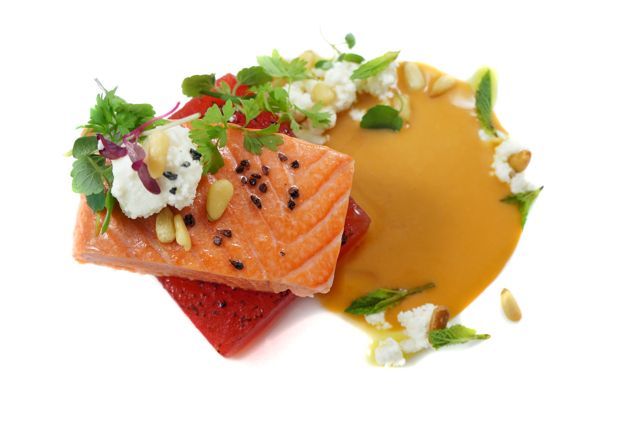 KING SALMON & TORCHED WATERMELON   tomato puree - pine nuts - mint