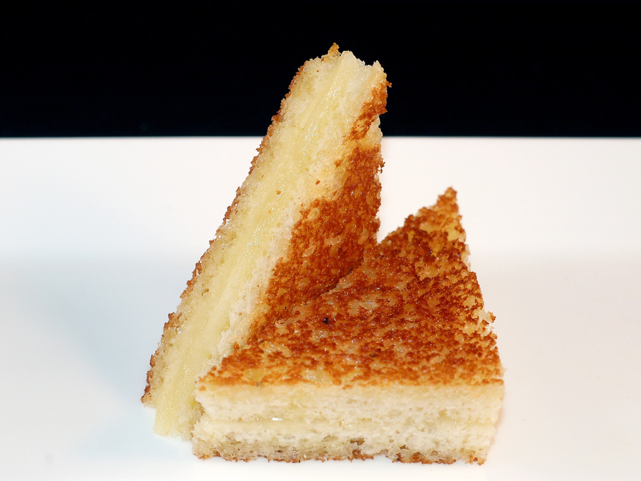 FRENCH LAUNDRY'S GRILLED CHEESE   broiche - gruyere