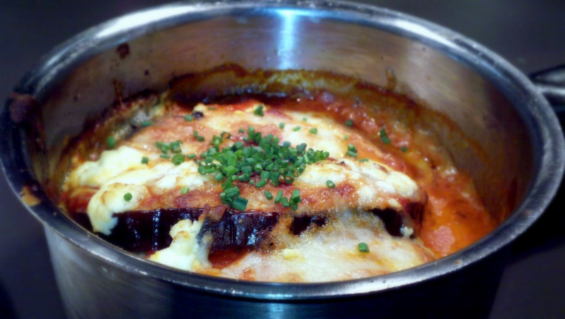 @google     Mini-Eggplant Parmigiana Brulee    Globe eggplant, smoked tomato coulis, fresh mozzarella, & finely chopped chives. A great, healthy alternative to the deep-fried Italian staple.
