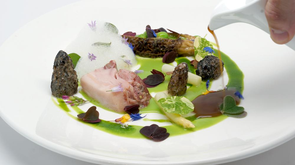 ham & peas |   cured pork jowl - parsley juice - pea puree - morel mushrooms - white asparagus - smoked foam