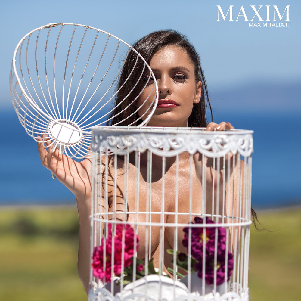 Maxim Italia with Tia McDonald by Jenya Luzan of Tropic Pic | Booked by Nova Prime PR
