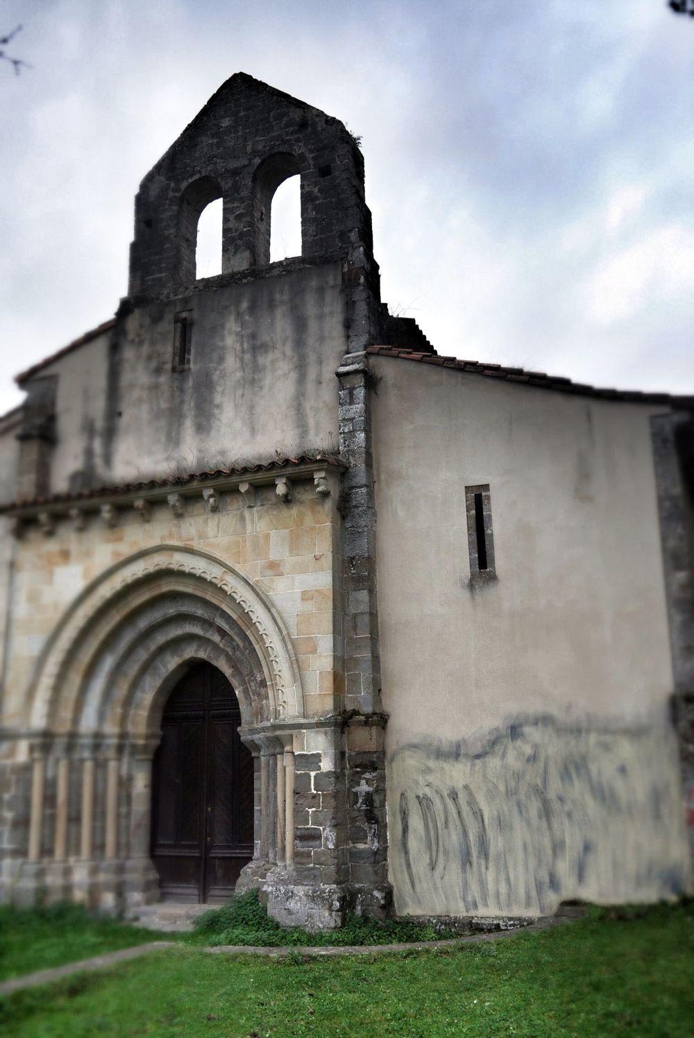The ruined church of the Monasterio de San Antolin de Bedon