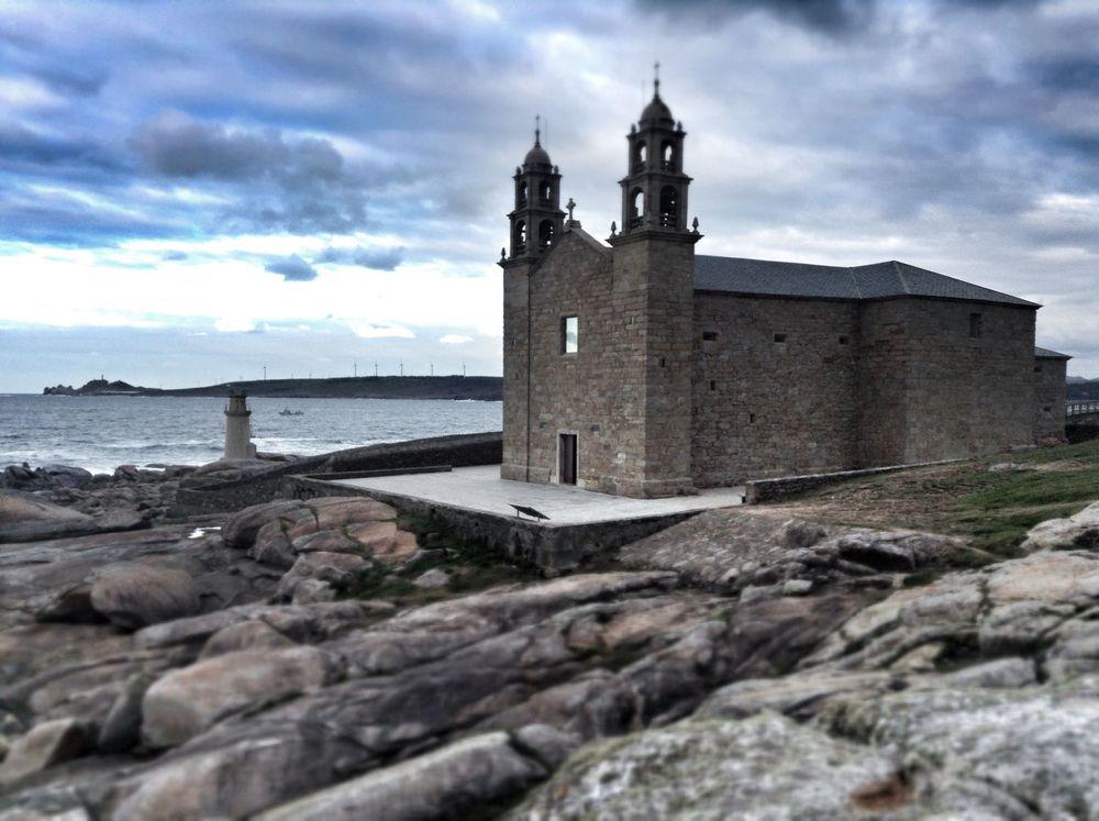 The breathtaking Iglesia de la Barca