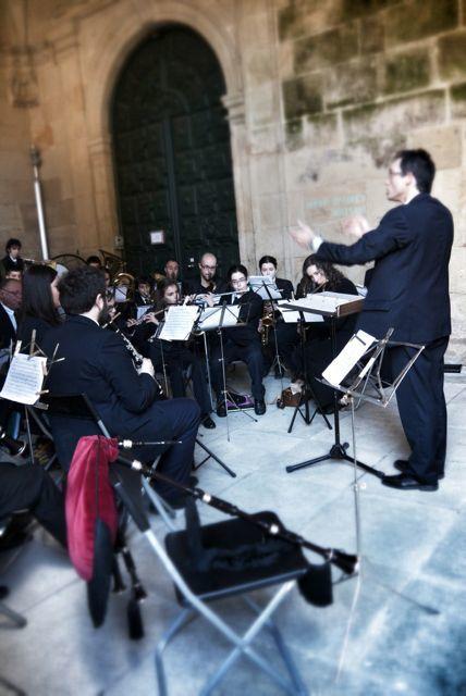 Impromptu concert in the monastery