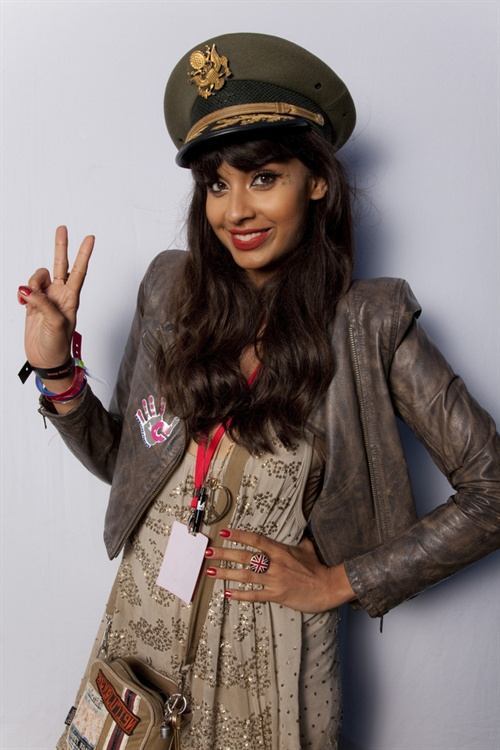 I've just had a right result. Am backing up the shots from Lovebox, where we were side stage shooting forBe Here Now. Jameela Jamil was hosting and very obligingly stepped up to the plate to 'test my lights'. She's ace. Then The Doggfather, the legend, Snoop Dogg did the same, before and after his killer show. I'm buzzing. This project still excites me every time, and getting the calibre of Snoop on board will do wonders I bloody hope. Apologies for not releasing the image yet but we're holding loads back for the launch. It'll be worth it I swear.