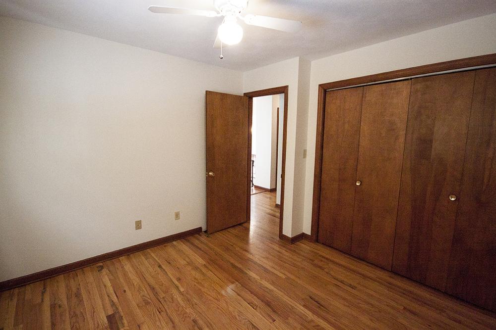 1st bedroom.