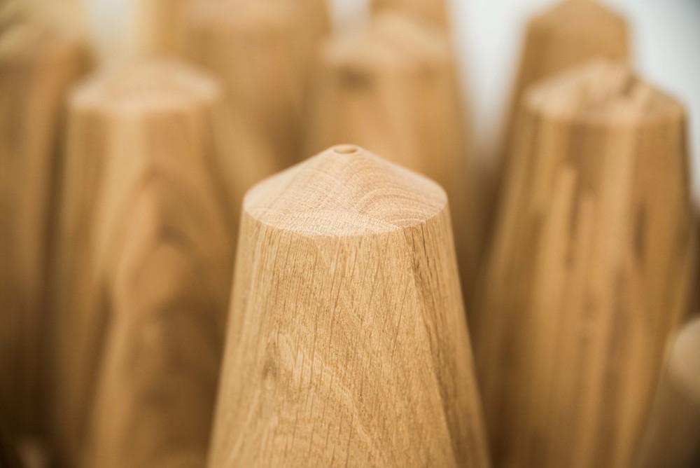 Eikon made of ash, oak or bamboo