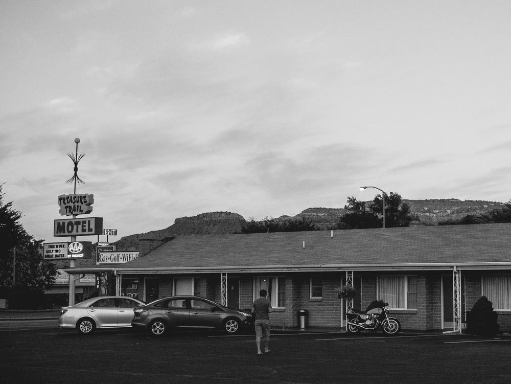 Motel de filme de terror.