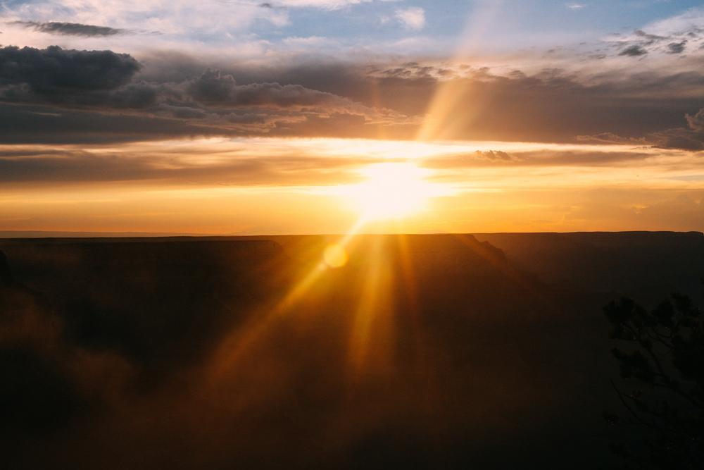 Por mais clichê que seja: eu não canso de me impressionar com a beleza de um pôr do sol.