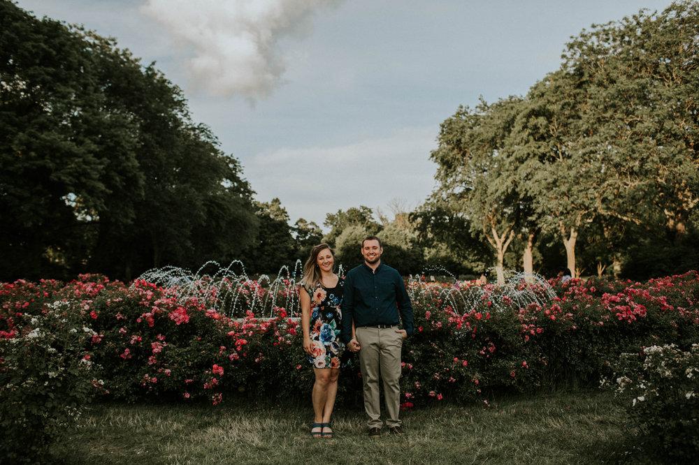 columbus park of roses engagement session grace e jones photography