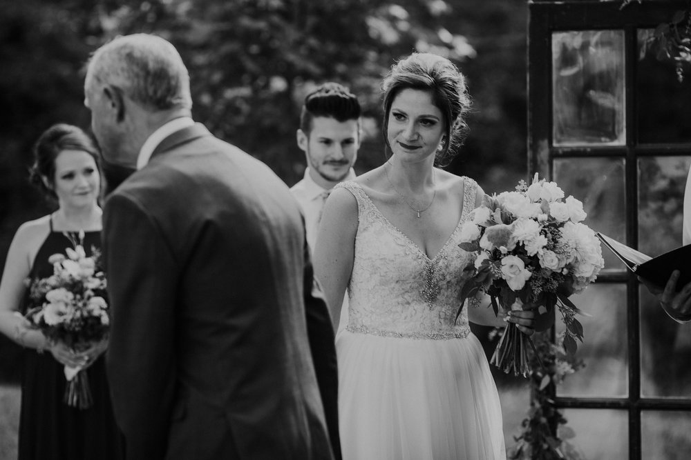 columbus ohio wedding photographer grace e jones photography canopy creek farm77.jpg