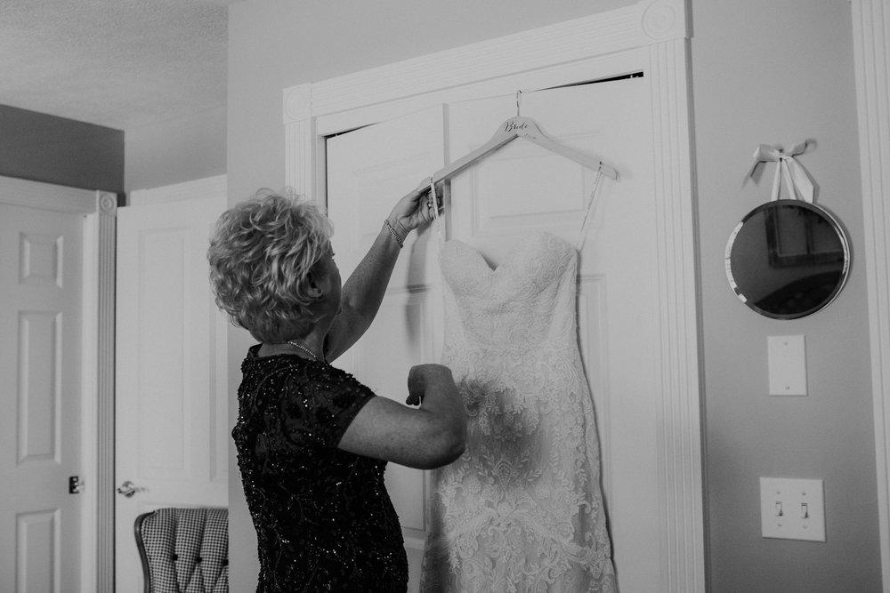 Wooster ohio wedding photographer grace e jones barn weddin venue 4.jpg