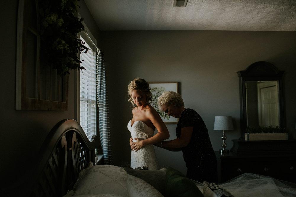 Wooster ohio wedding photographer grace e jones barn weddin venue 6.jpg