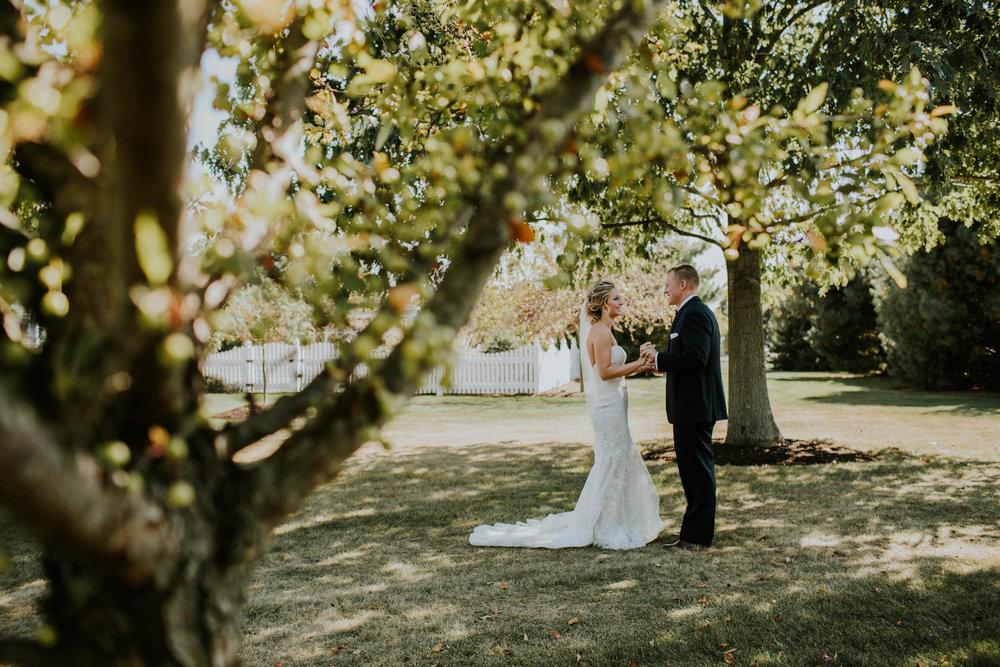 Wooster ohio wedding photographer grace e jones barn weddin venue 30.jpg