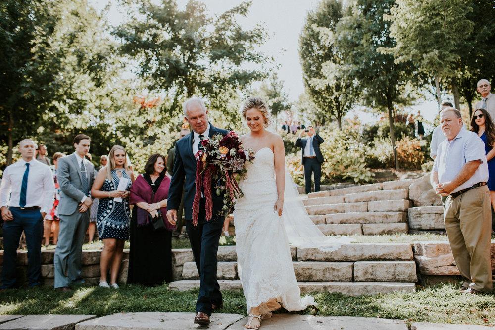 Wooster ohio wedding photographer grace e jones barn weddin venue 130.jpg