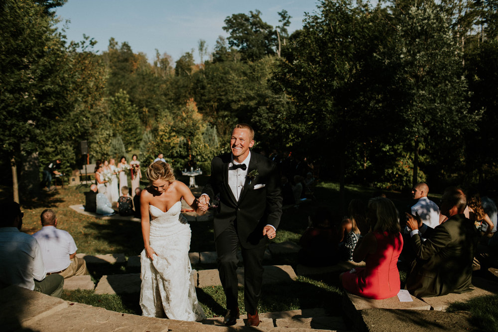 Wooster ohio wedding photographer grace e jones barn weddin venue 136.jpg