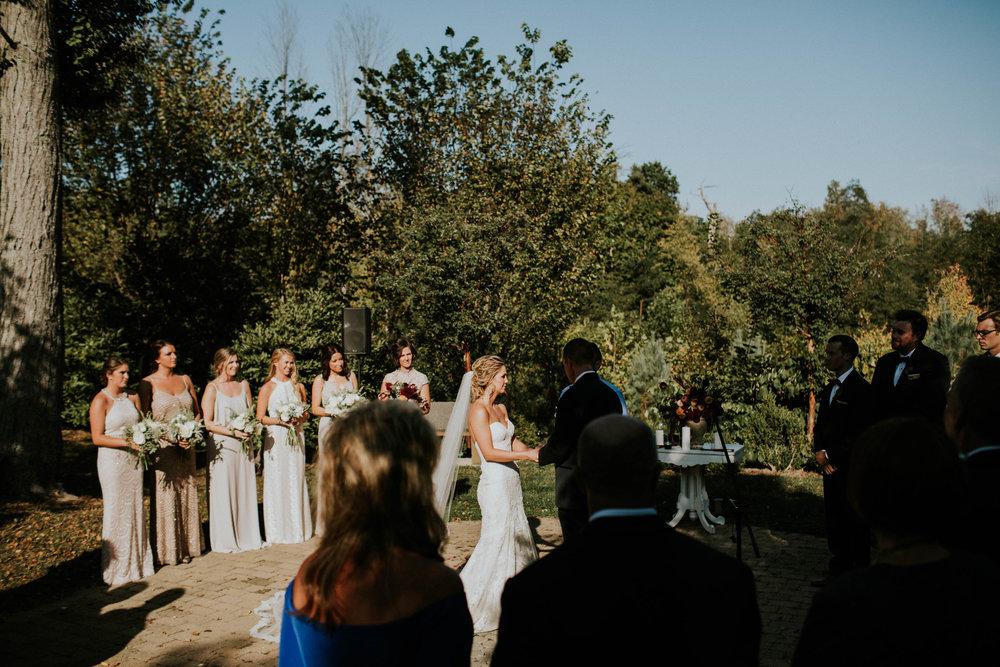 Wooster ohio wedding photographer grace e jones barn weddin venue 131.jpg
