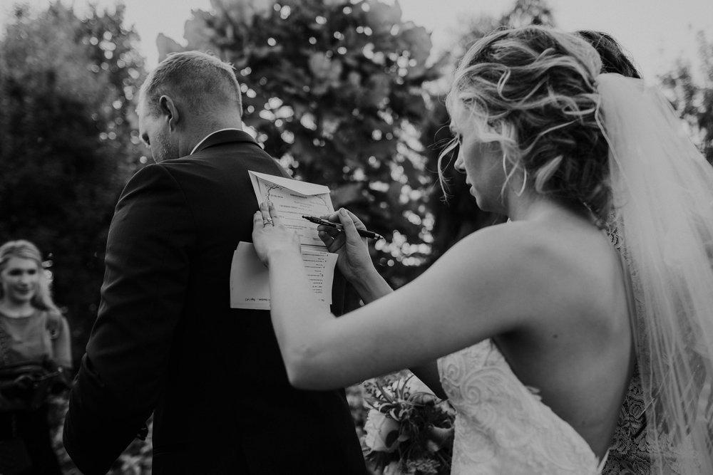 Wooster ohio wedding photographer grace e jones barn weddin venue 137.jpg