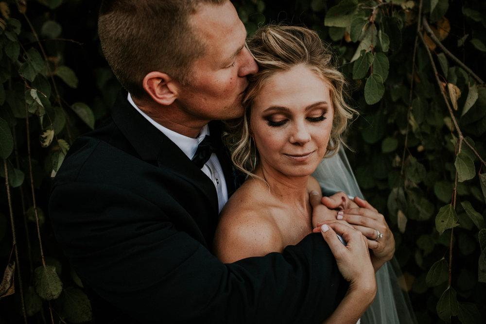 Wooster ohio wedding photographer grace e jones barn weddin venue 49.jpg
