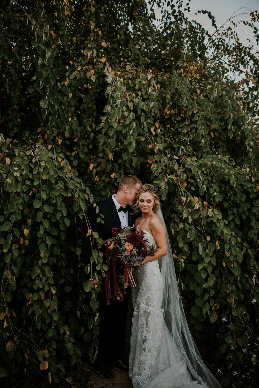 Wooster ohio wedding photographer grace e jones barn weddin venue 47.jpg
