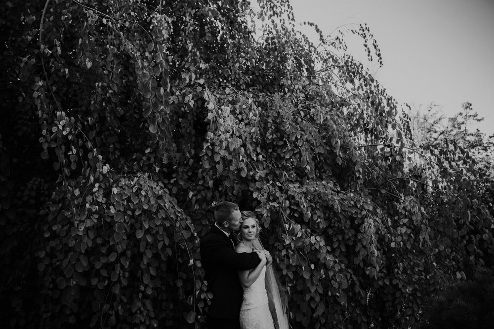 Wooster ohio wedding photographer grace e jones barn weddin venue 48.jpg