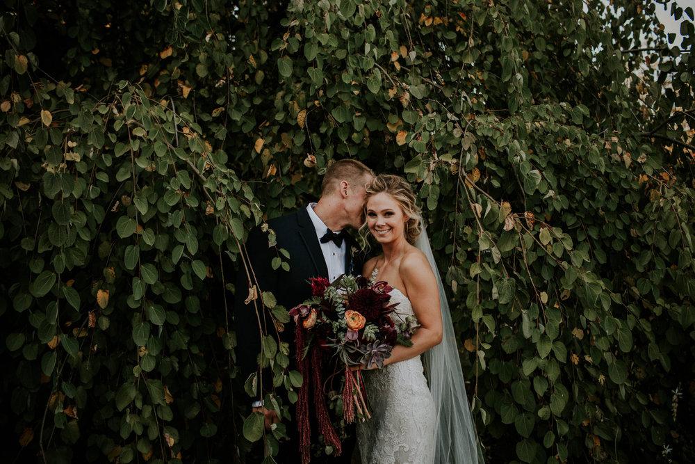 Wooster ohio wedding photographer grace e jones barn weddin venue 45.jpg