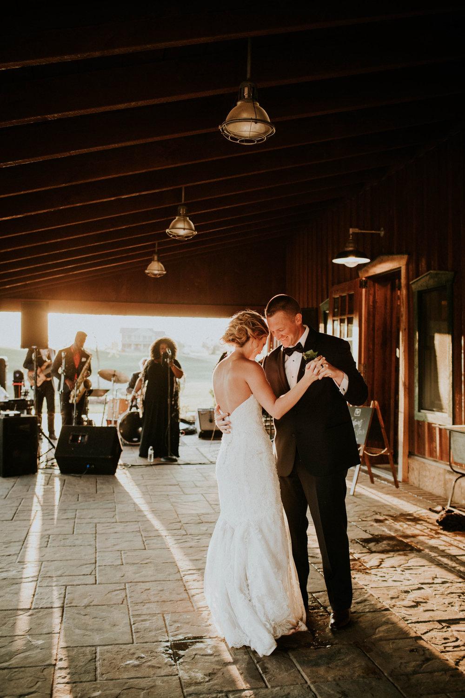Wooster ohio wedding photographer grace e jones barn weddin venue 169.jpg
