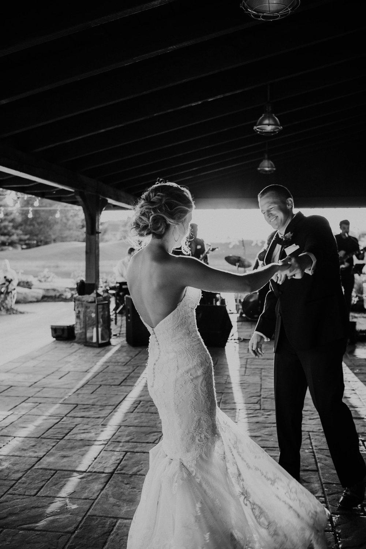 Wooster ohio wedding photographer grace e jones barn weddin venue 167.jpg
