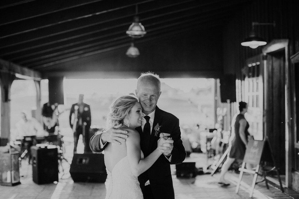 Wooster ohio wedding photographer grace e jones barn weddin venue 143.jpg