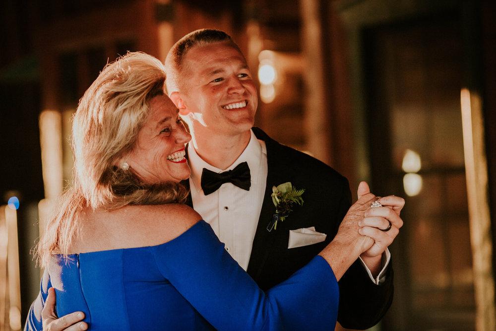 Wooster ohio wedding photographer grace e jones barn weddin venue 138.jpg