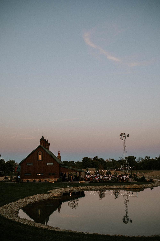 Wooster ohio wedding photographer grace e jones barn weddin venue 171.jpg