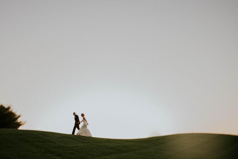 Wooster ohio wedding photographer grace e jones barn weddin venue 16.jpg