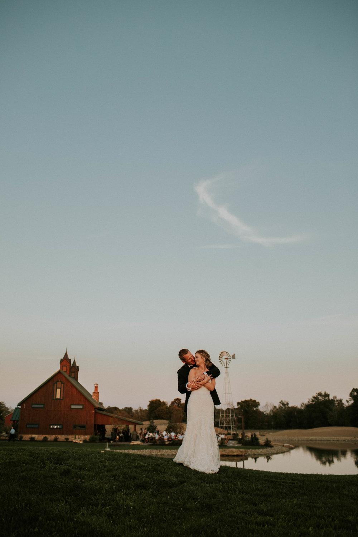 Wooster ohio wedding photographer grace e jones barn weddin venue 68.jpg