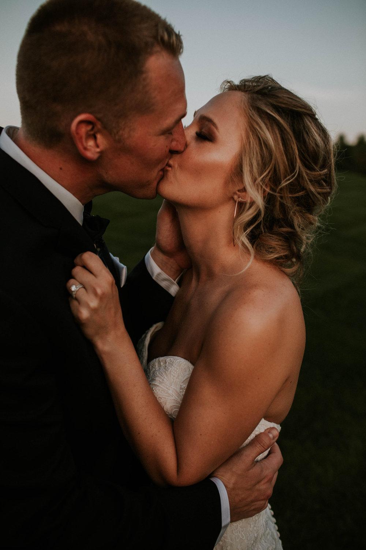 Wooster ohio wedding photographer grace e jones barn weddin venue 81.jpg