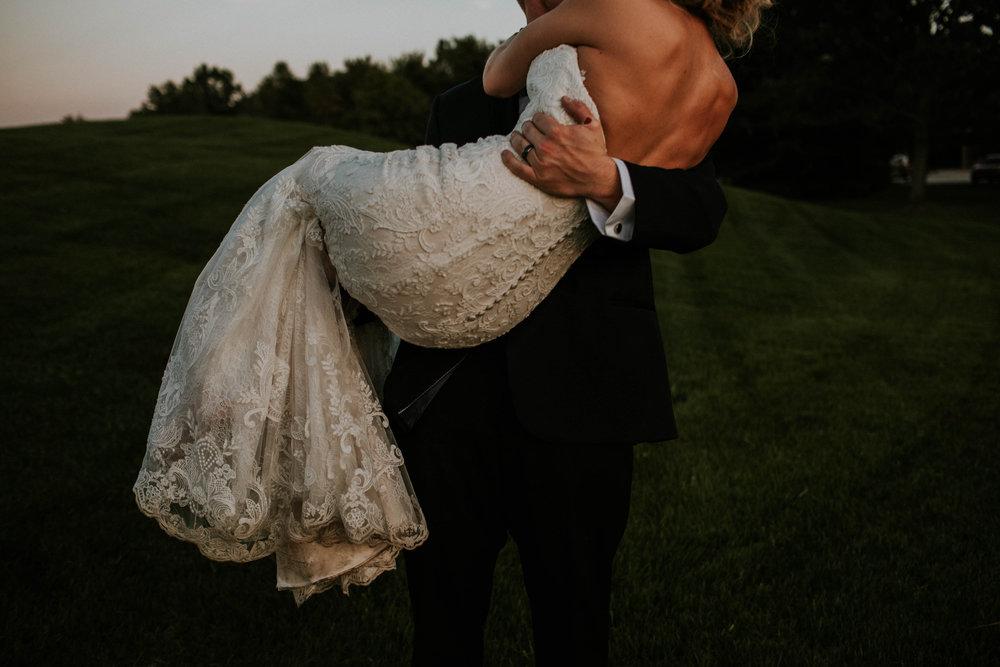 Wooster ohio wedding photographer grace e jones barn weddin venue 76.jpg
