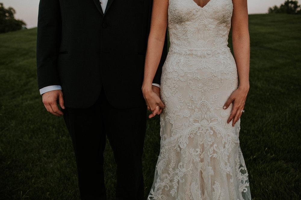 Wooster ohio wedding photographer grace e jones barn weddin venue 83.jpg