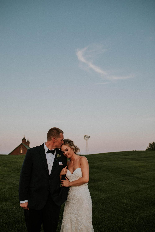 Wooster ohio wedding photographer grace e jones barn weddin venue 91.jpg