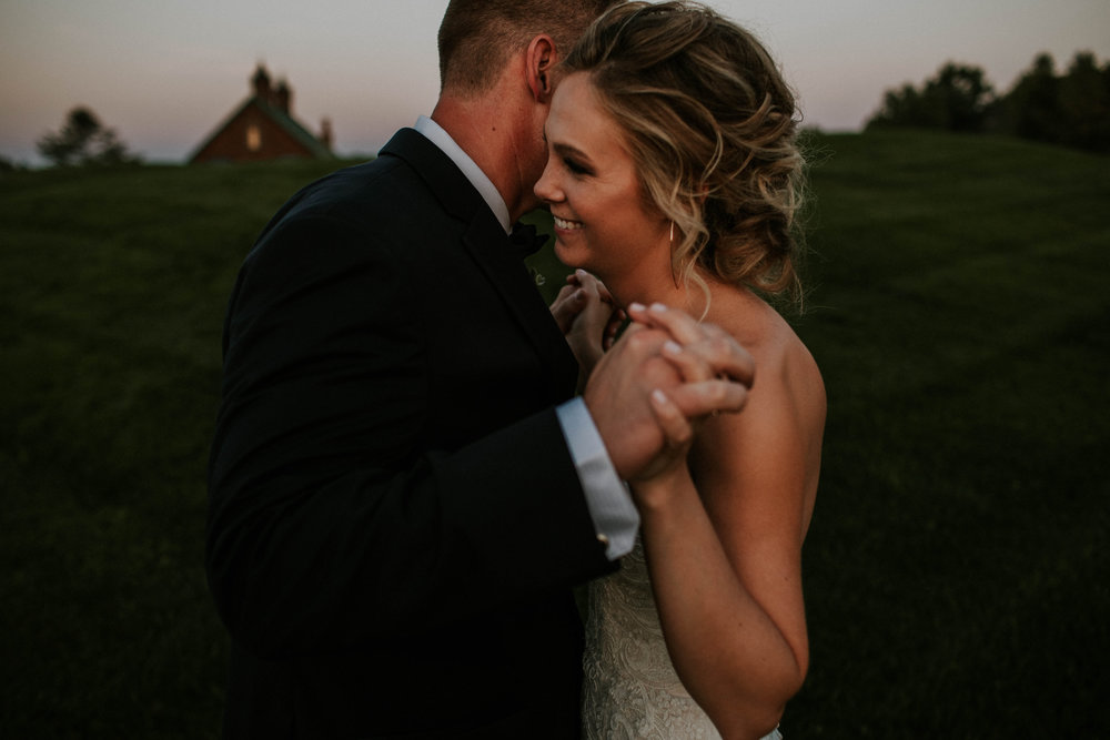 Wooster ohio wedding photographer grace e jones barn weddin venue 93.jpg