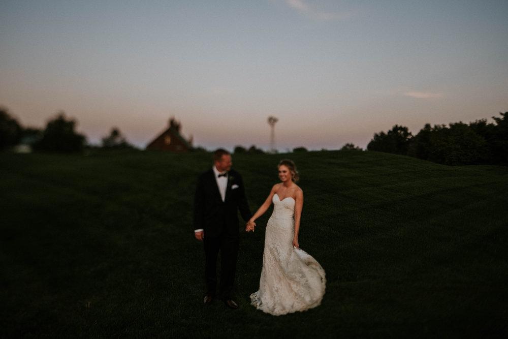 Wooster ohio wedding photographer grace e jones barn weddin venue 19.jpg