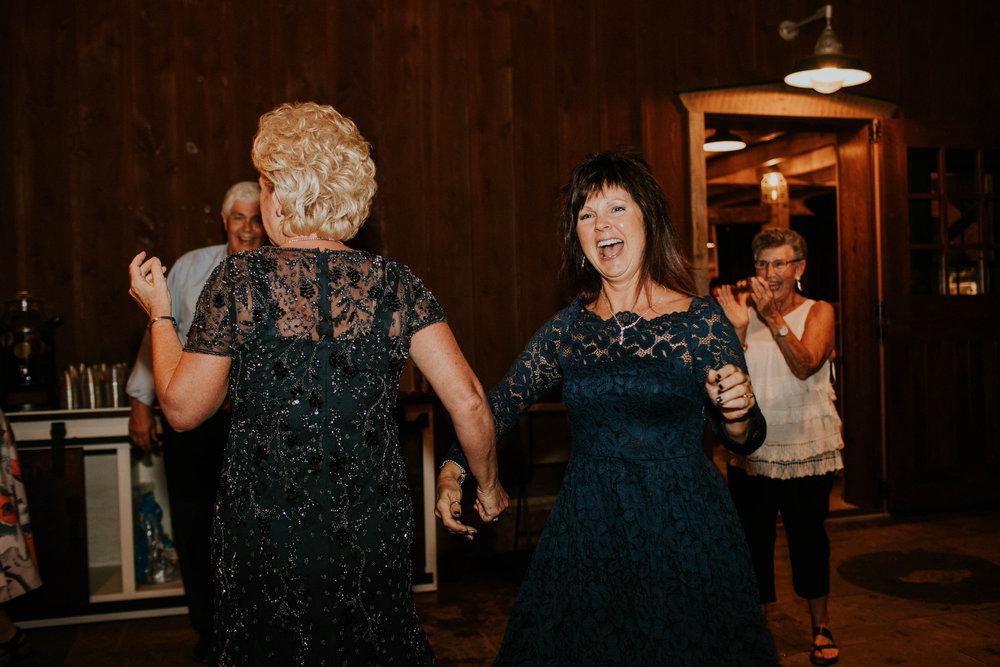 Wooster ohio wedding photographer grace e jones barn weddin venue 187.jpg