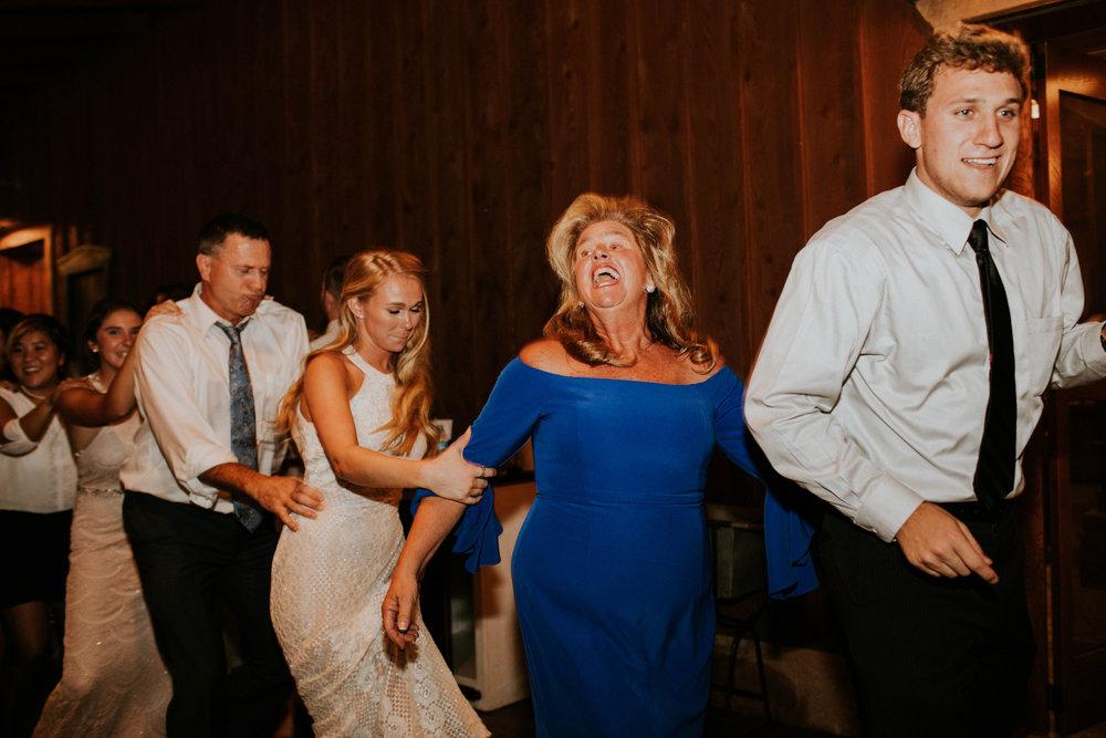 Wooster ohio wedding photographer grace e jones barn weddin venue 194.jpg